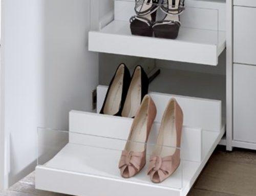 Schuhauszugsboden mit Glasblende