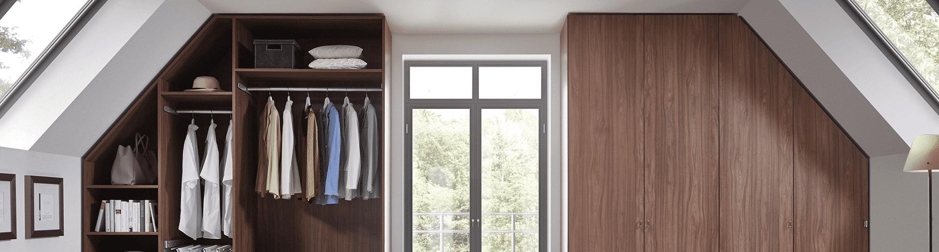 Schränke und Regale Dachschräge
